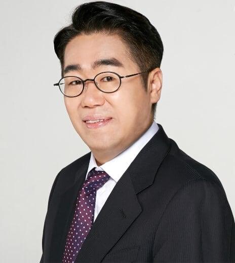 Dr. Nam Ho kim