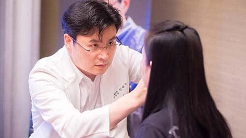 งานปรึกษาศัลยกรรมหมอ Ahn Tae Joo